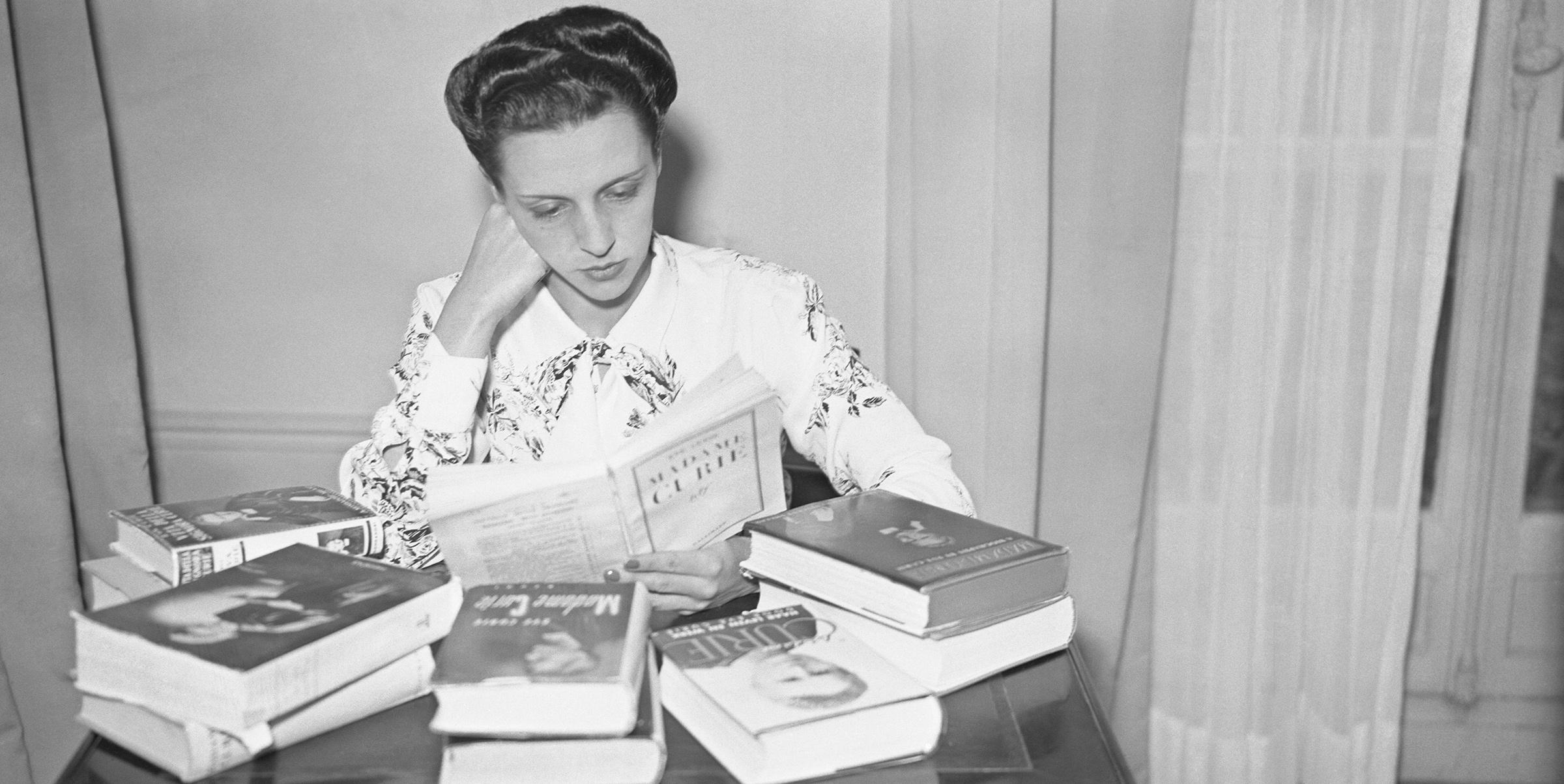 Ève Curie, la hija, hermana, cuñada y esposa de nobeles que se quedó sin el premio pero fue superventas