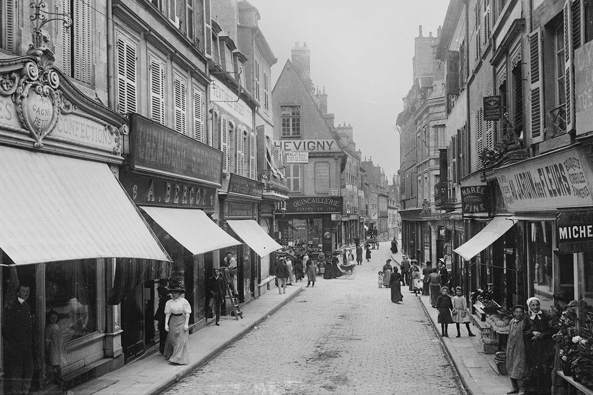Moulins a principios del siglo