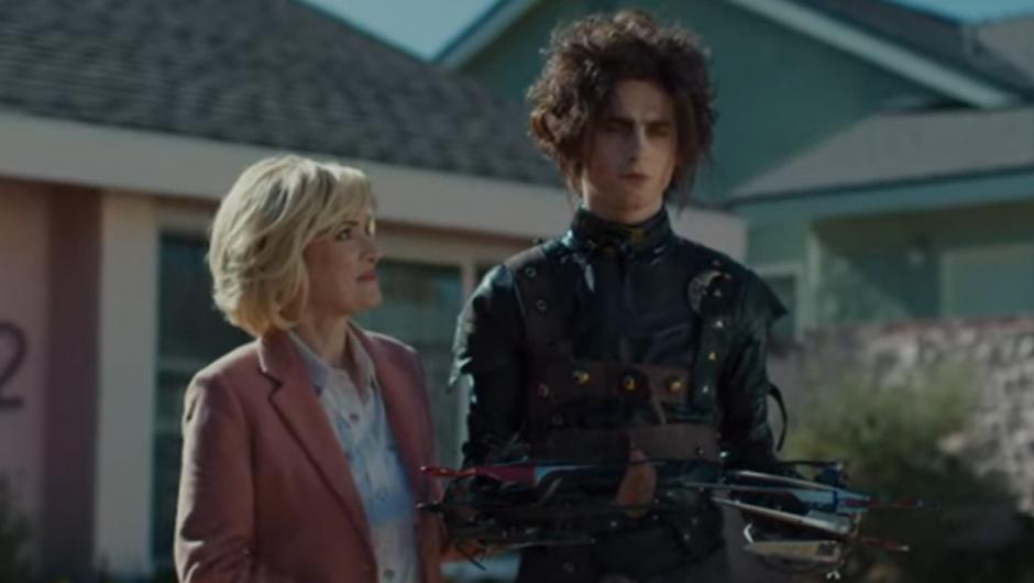 Winona Ryder regresa al universo de 'Eduardo Manostijeras' en un anuncio de la Super Bowl con Timothée Chalamet
