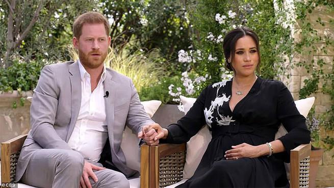 Meghan Markle luce los espectaculares diamantes de Lady Di en su entrevista con Oprah