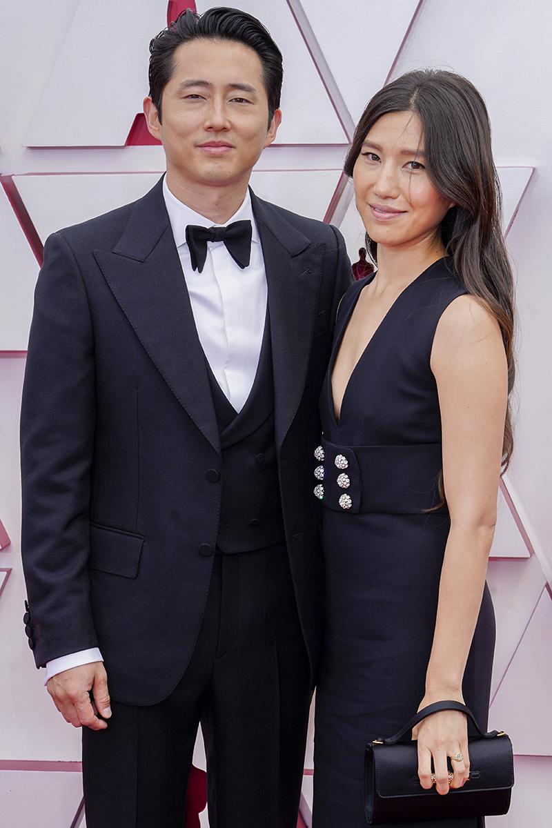 Steven Yeun y Joana Pak