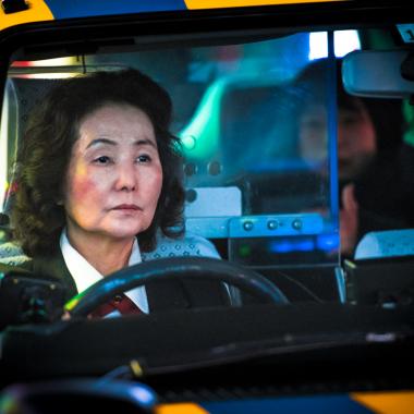 Atlas Tokio-Madrid de etiqueta del taxista: Almeida no es el primero en obligar al gremio a cuidar su aspecto