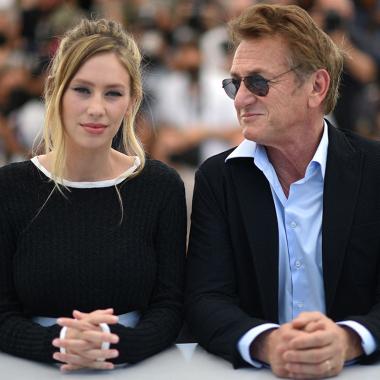 Las aventuras de Dylan Penn, la hija díscola de Sean Penn y Robin Wright, que ha dado la gran sorpresa en Cannes