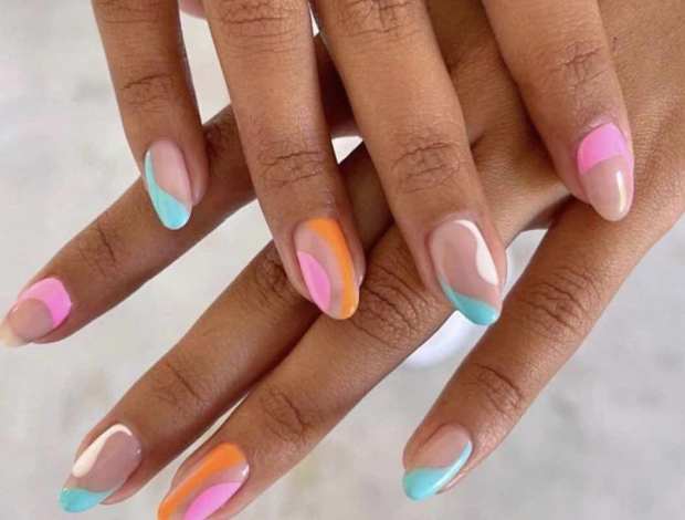 French Outline Manicure