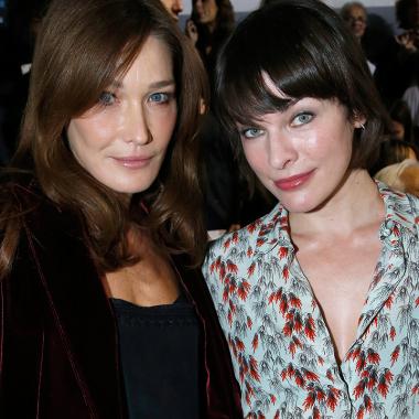 """Carla Bruni y Milla Jovovich han mostrado su aliento público a las """"supervivientes"""" de Marie."""