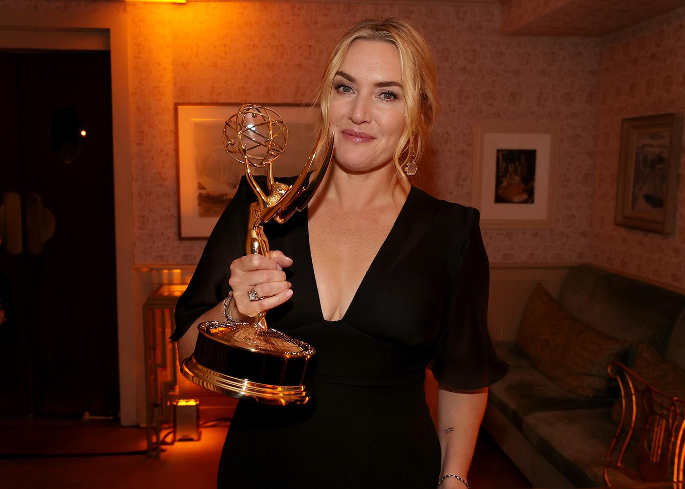 «Gracias a Kate Winslet por ser Kate Winslet»: el curioso historial de agradecimientos a la ganadora del Emmy