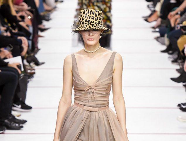 La hermandad femenina de Christian Dior