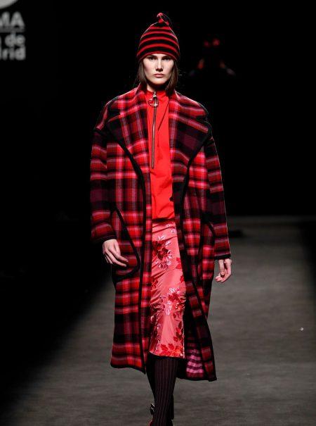 Juan Vidal y el abrigo de paño que triunfará el próximo otoño