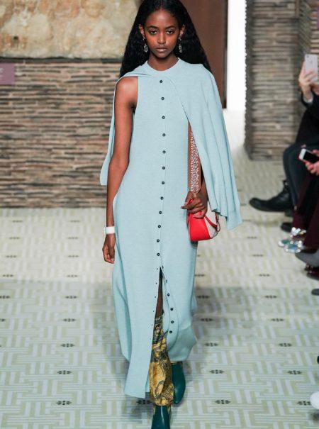 Lanvin resurge en colores pastel (y con prendas masculinas) de la mano de Bruno Sialelli