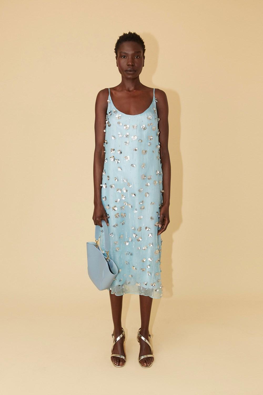 Todos los vestidos camiseros de la primavera están en lo nuevo de Mansur Gavriel