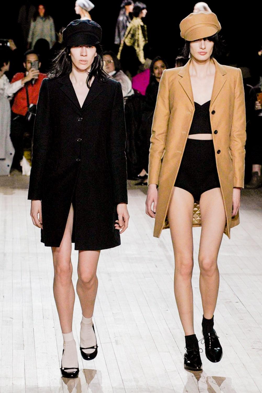Miley Cyrus cierra la semana de la moda de Nueva York desfilando para Marc Jacobs