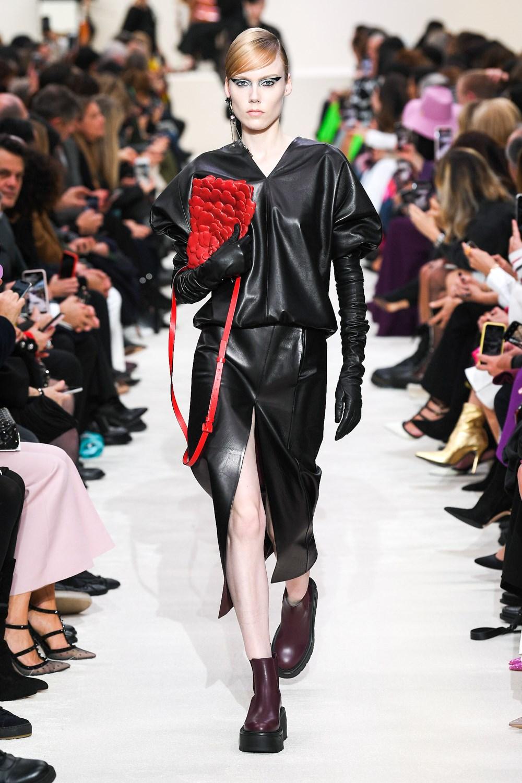Valentino reinventa los clásicos