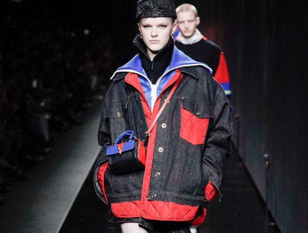 Versace mezcla su tradición italiana con la estética de la Rusia soviética