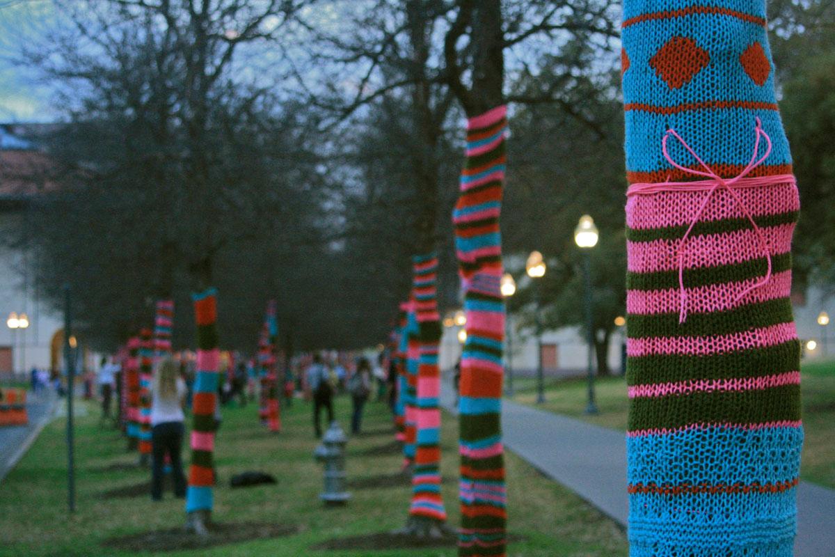 Viste tu ciudad con agujas de coser lana