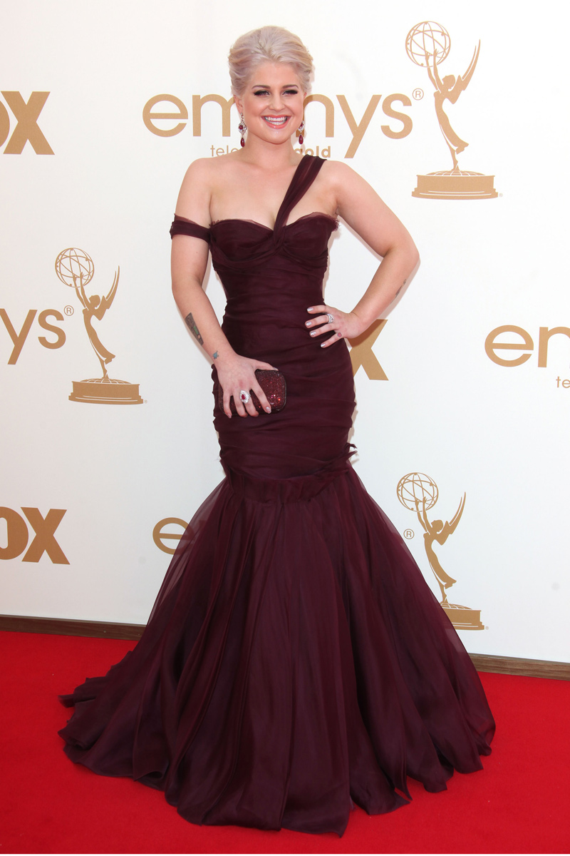 Kelly Osbourne vestida de J Mendel en los Emmy 2011