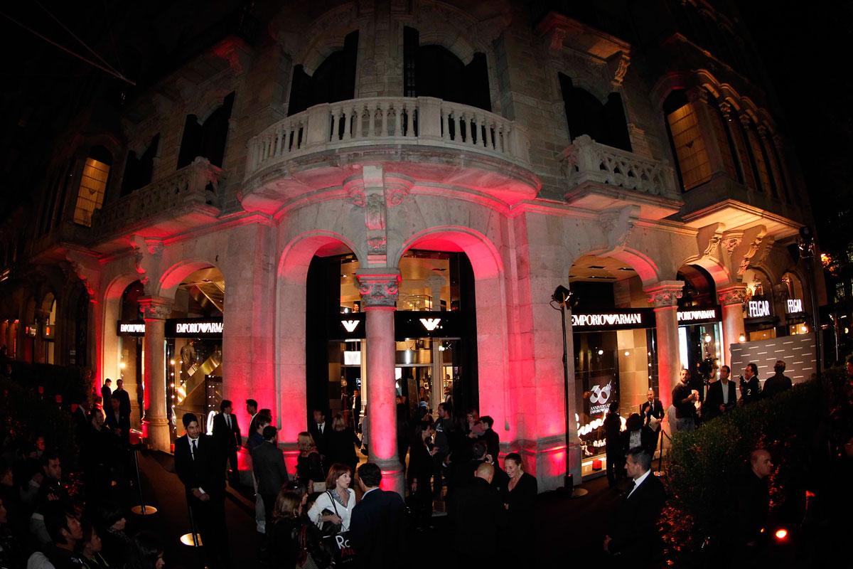 Mientras dorm as fiesta de armani en barcelona s moda el pa s - Lucio barcelona decoracion ...