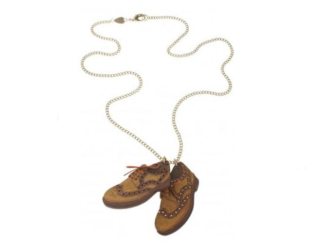 Collar zapatos