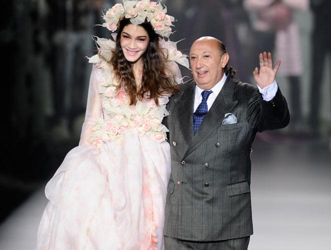 Montesinos celebra 40 años en la moda viajando a los lugares de su vida
