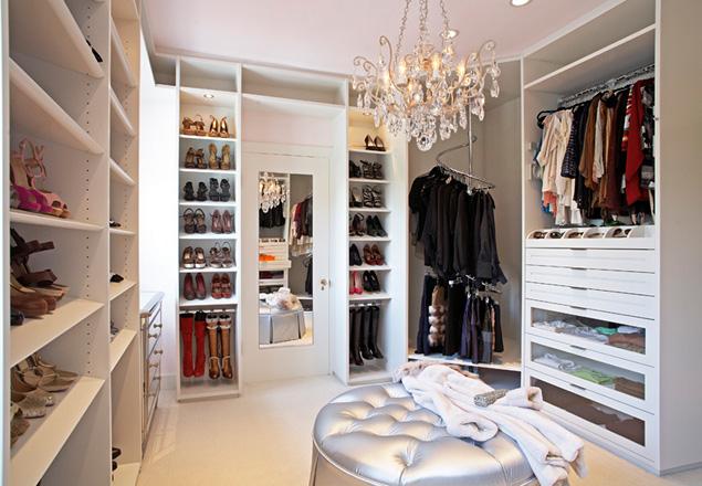 El arte de organizar armarios s moda el pa s - Como forrar un armario por dentro ...