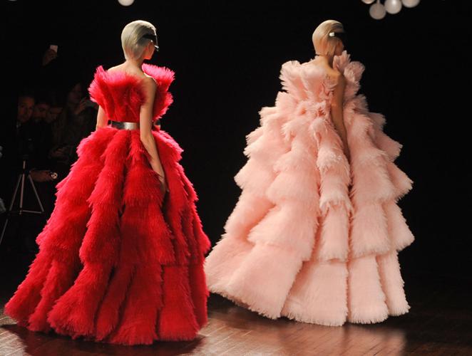 Todos esos vestidos de Alexander McQueen que no podrá ponerse Kate Middleton
