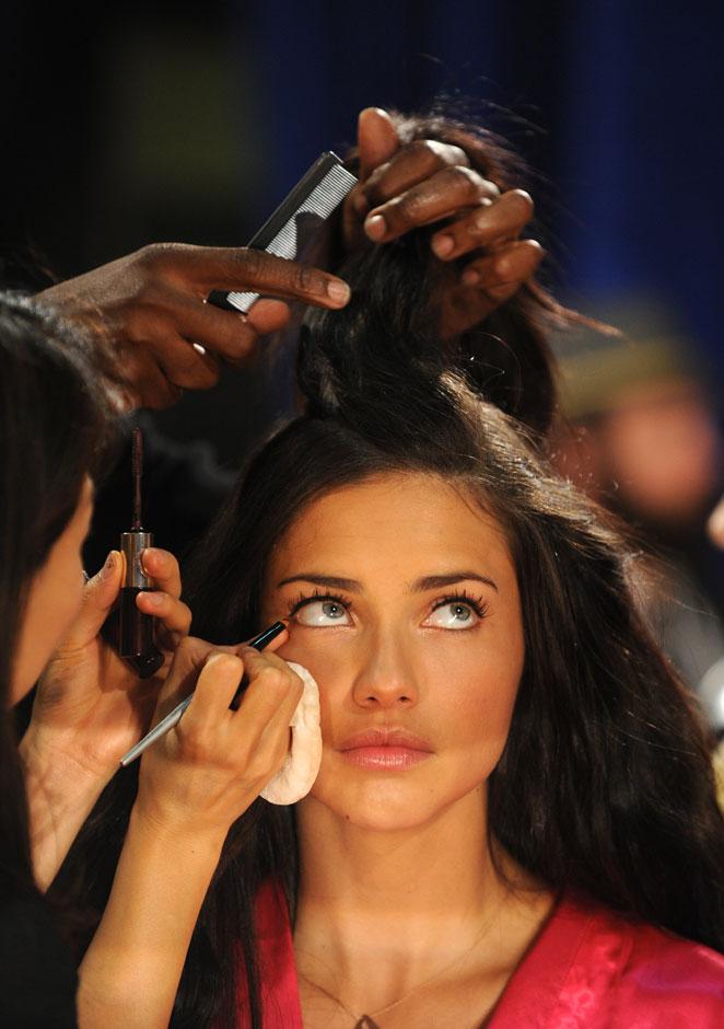 Adriana Lima maquillaje