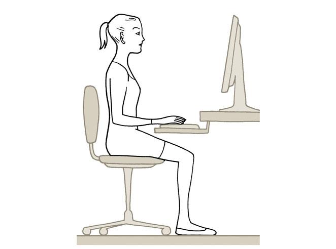 Gu a definitiva para aprender a sentarse bien s moda el pa s for Sillas para una buena postura