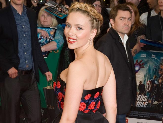Vota: El look de Scarlett Johansson en Londres