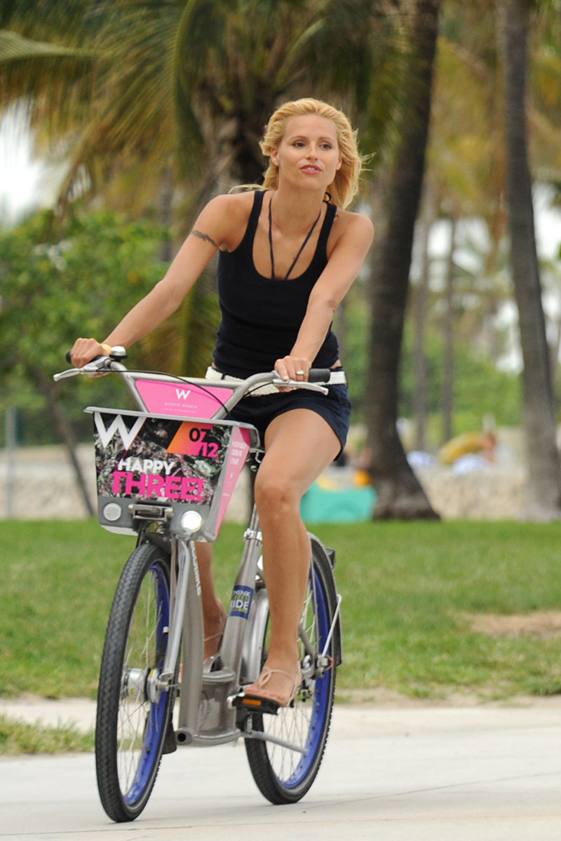 celebrities en bici