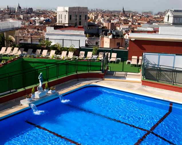 Piscinas urbanas contra la ola de calor placeres s - Piscina hotel emperador ...
