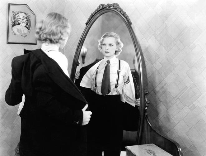 Un año sin mirarse al espejo. ¿Es tu reflejo tu peor enemigo?
