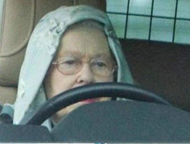 La reina Isabel es una 'hoodie'