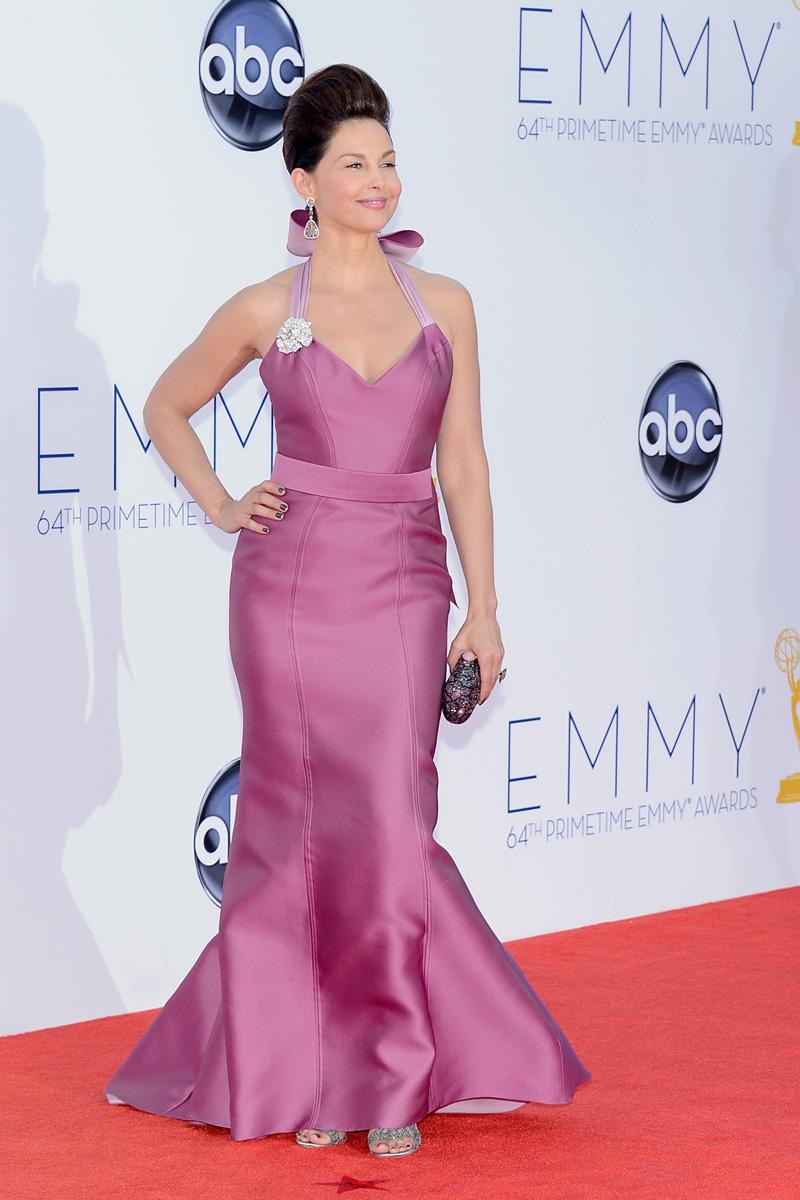 Todos los vestidos de la alfombra roja de los Premios Emmy ...