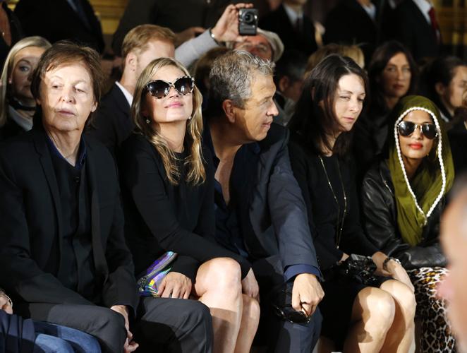 Lo que cobran las celebrities por sentarse en la primera fila de un desfile