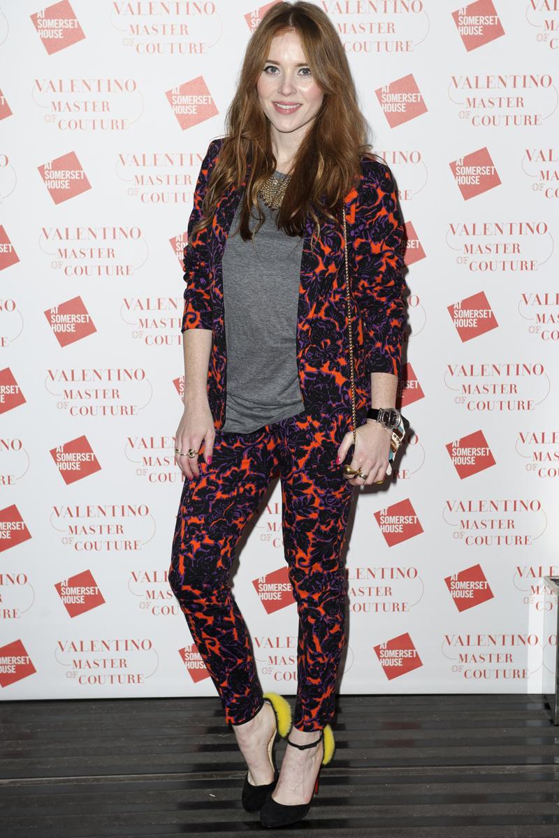 Mientras dormias Valentino se iba de fiesta con algunas de sus amiguitas en Londres