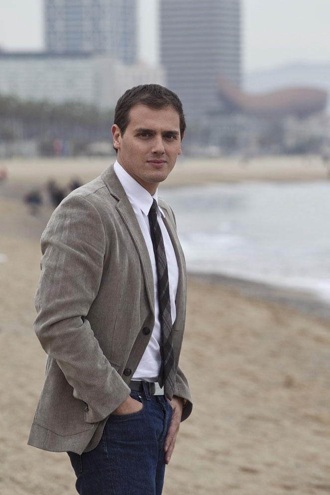 Albert rivera desnudo en playa de barcelona ciudadanos - 2 7
