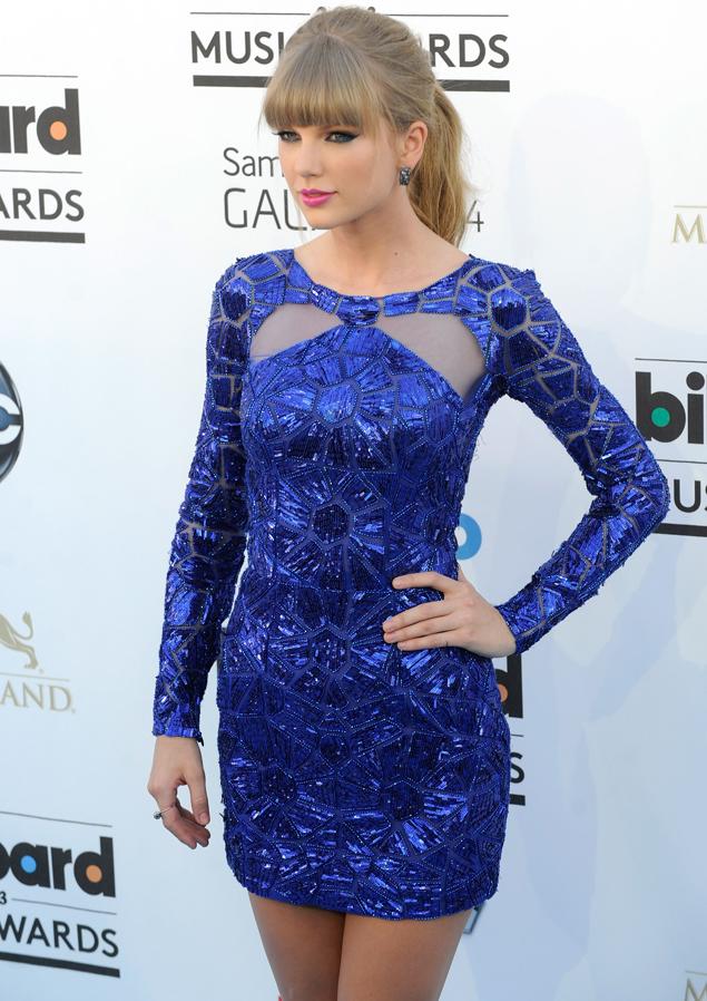 427724a01f Al detalle  Los looks de Taylor Swift en los Billboard Music Awards ...