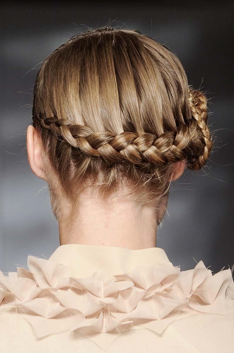 Peinados que van de la pasarela al altar
