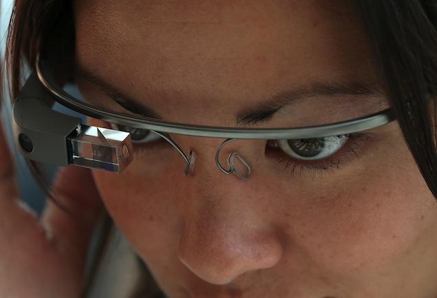 Con las gafas de Google no queda claro si sólo nos miran o también nos fotografían