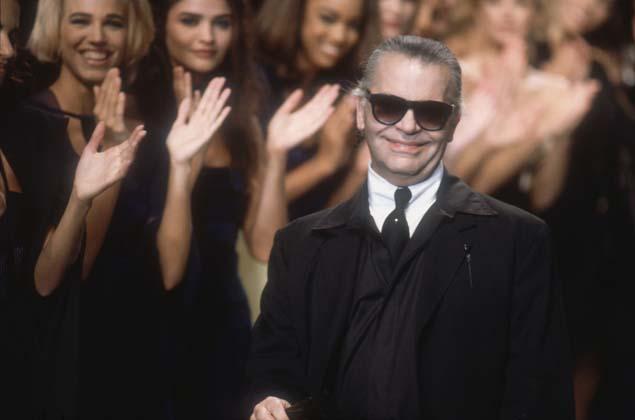 Lagerfeld desfile aplausos
