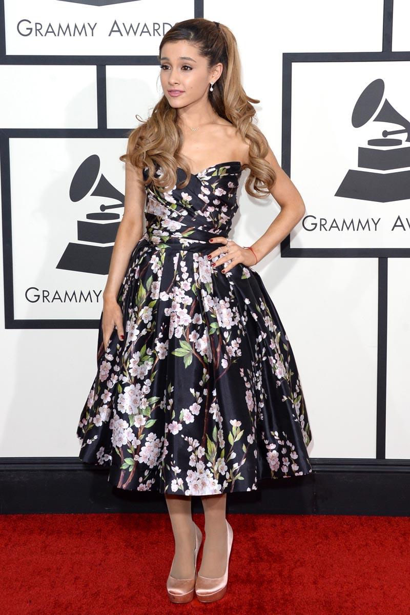 972051fbe8 Todos los vestidos de los Grammy 2014