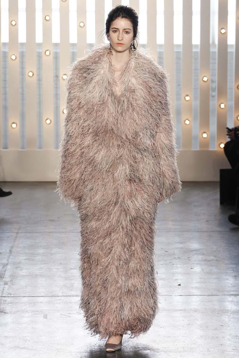 La actitud de Bianca Jagger, la inspiración de Jenny Packham