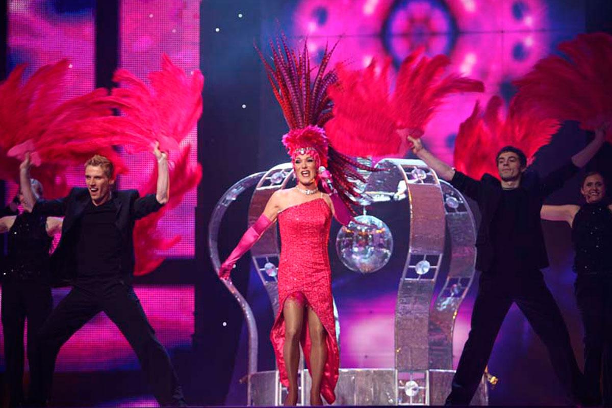 Los estilismos más imposibles de la historia de Eurovisión ...