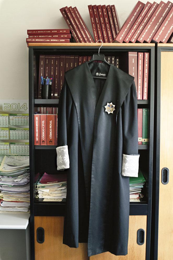 La vestimenta de la justicia, a debate