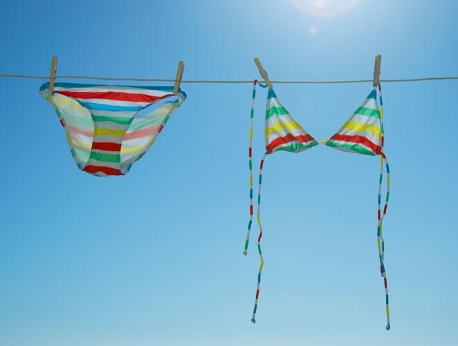 bikini tendido