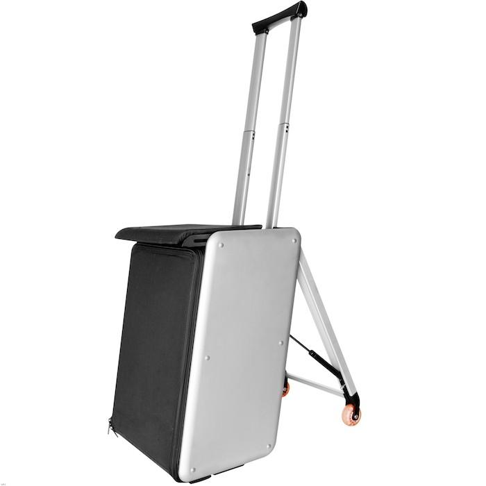 Existen incluso maletas con asiento e hilo musical.