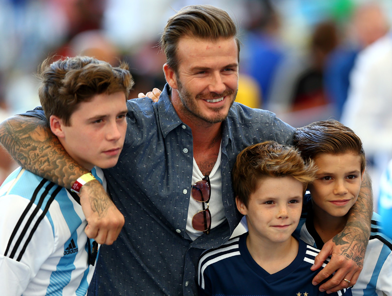 burla david beckham a su hijo brooklyn