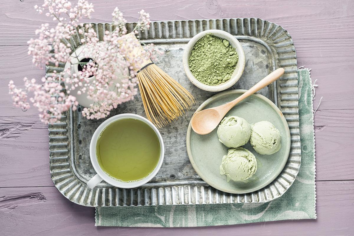La última súperbebida llega de Japón: todo lo que debes saber del té matcha