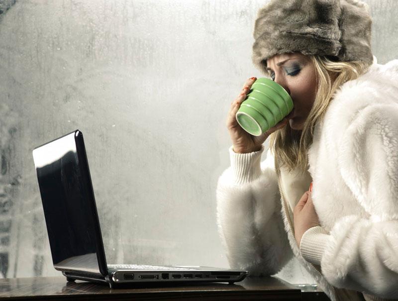 Lo dice la ciencia: el aire acondicionado de tu oficina es una 'conspiración' sexista