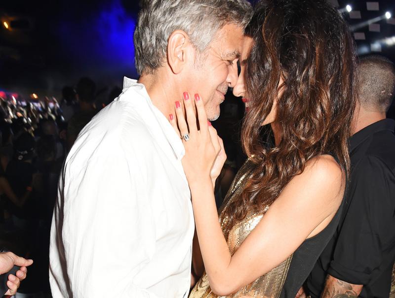 Los arrumacos nocturnos de George Clooney y Amal en Ibiza