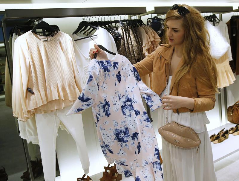 ¿Cuánto gastan los españoles en ropa al año?